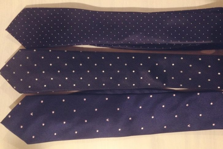 ビジネス利用できる細身ネクタイ