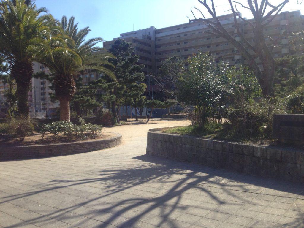 岡本で広い公園なら「野寄公園」