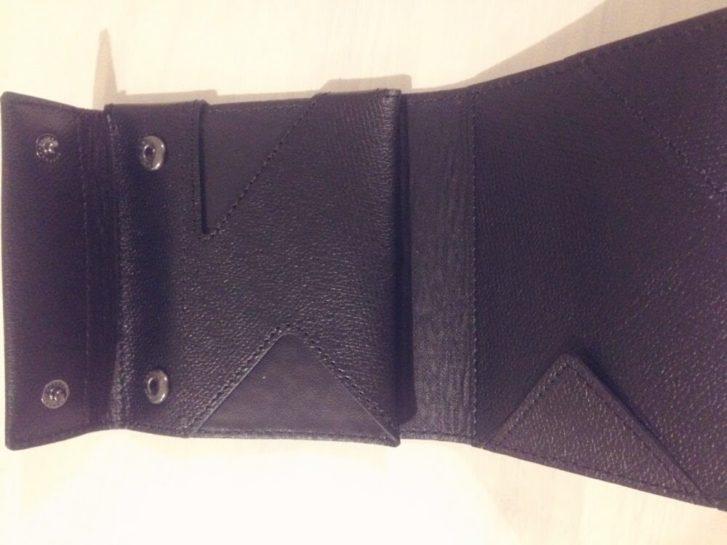 薄い財布の内部構造
