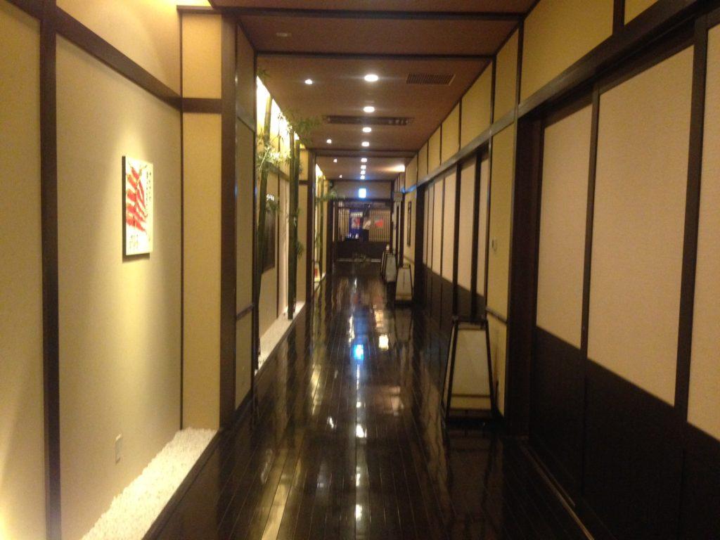 神戸ハーバーランド温泉万葉倶楽部の廊下